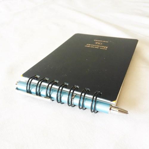 メモ帳に合わせるコンパクトなボールペンはこれが一番!書き心地にも配慮してコスパ最高なSL-F1 mini