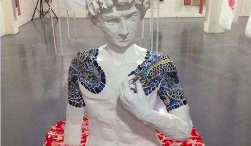 台北個展、広い空間潰しに紙彫刻の作品