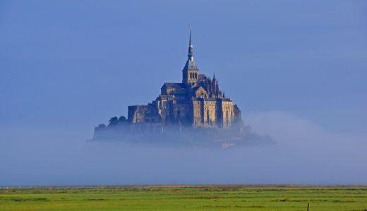 フランス西海岸サンマロ湾上に浮かぶ小島Mont Saint-Michel